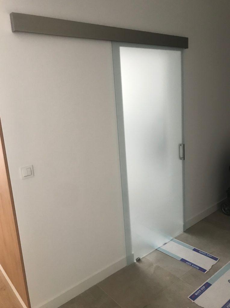 szklane drzwi przesuwne warszawa